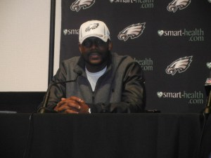 New Eagles safety Kenny Phillips hopes to the impact player that  Brian Dawkins was during his career with the Eagles. Photo by Chris Murray.