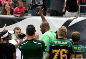 Donovan McNabb got a  huge ovation from the crowd last Sunday. Photo by Webster Riddick.