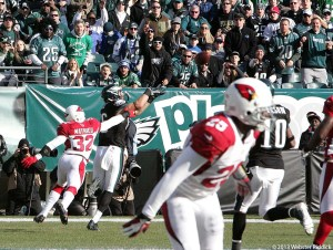 Eagles tight end Zach Ertz scores two touchdowns in the win over the Cardinals