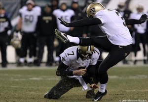 New Orleans Saints kicker Shayne Graham kicks the game-winning field goal. Photo by Webster Riddick.