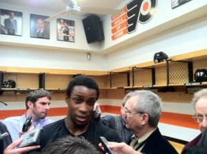 Wayne Simmonds scored a goal and assisted on another score in the Flyers 4-2 win over the New York Rangers.