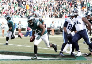 LeSean McCoy scores a second quarter touchdown with in the Eagles win over the Tennessee Titans.  Photo by Webster Riddick.