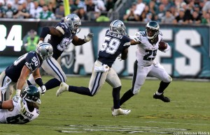 Eagles running back DeMarco Murray gets run down by Cowboys middle linebacker Anthony Hitchens during the Eagles 20-10 loss to Dallas last Sunday at Lincoln Financial Field.